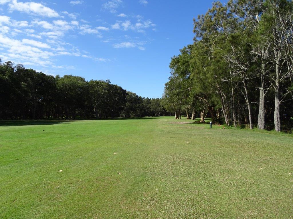toukley-golf-club-hole1